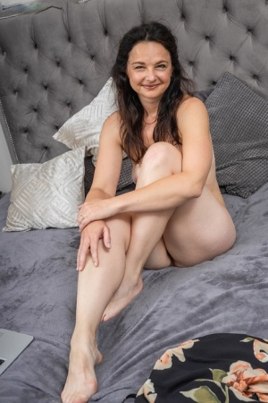 Old Spread Legs Pussy