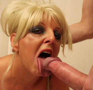 Old Tongue In Pussy