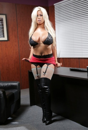 Old Pussy In Boots